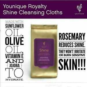 Younique Shine Cleansing Clothes